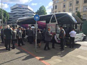 Busfahrt zum Ausmarsch
